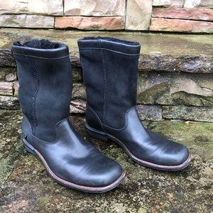 UGG Black Leather Brookfield Short sheepskin Boot